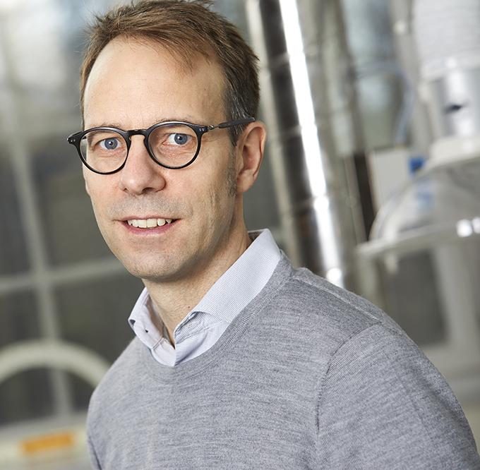Dr. Peter Diner